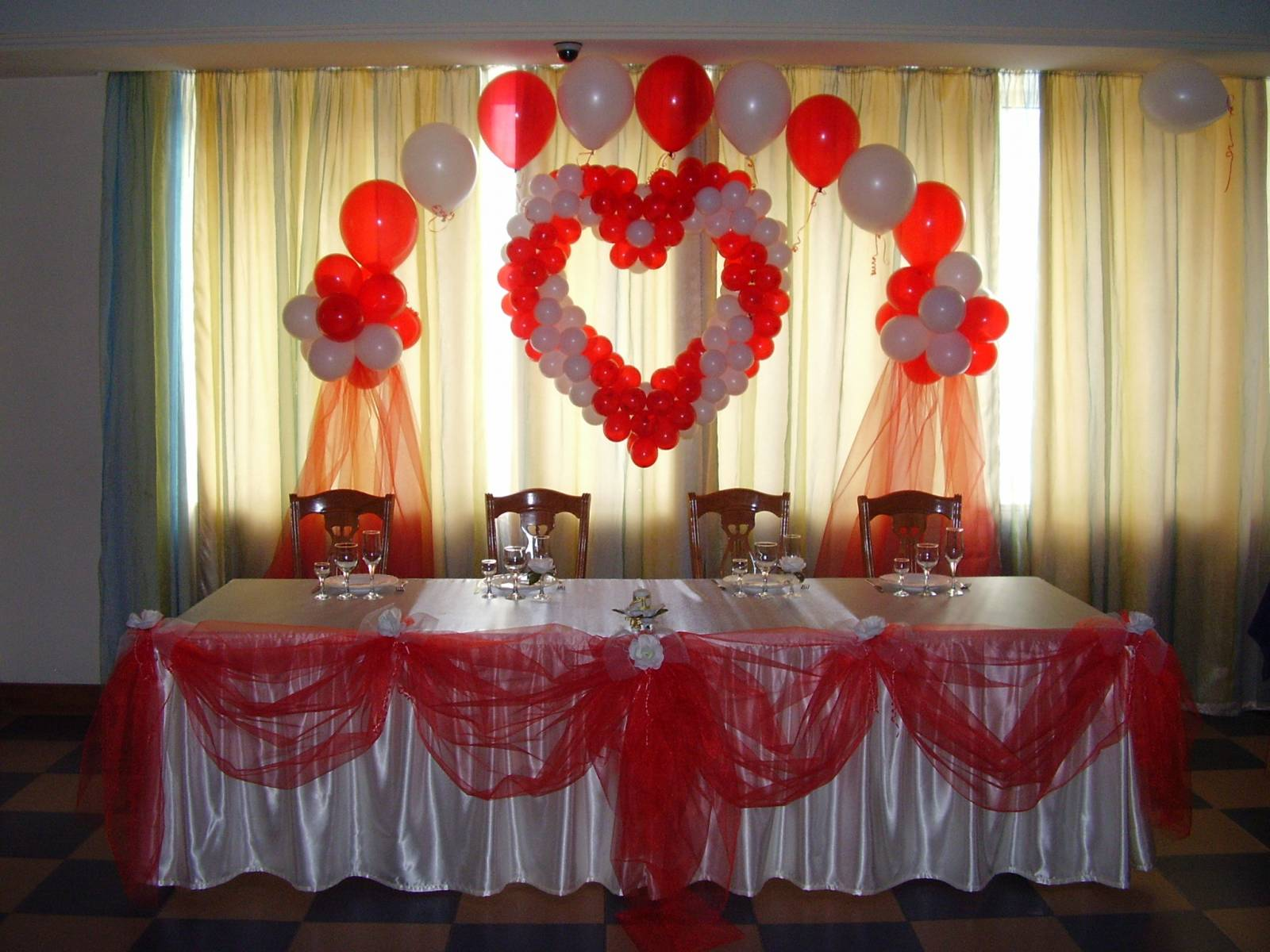 Свадебный стол своими руками оформление фото